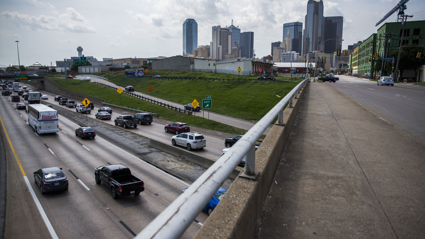Vehicles make their way west on Interstate 30 under the S Harwood Street bridge, south of downtown on Saturday, June 18, 2016 in Dallas.