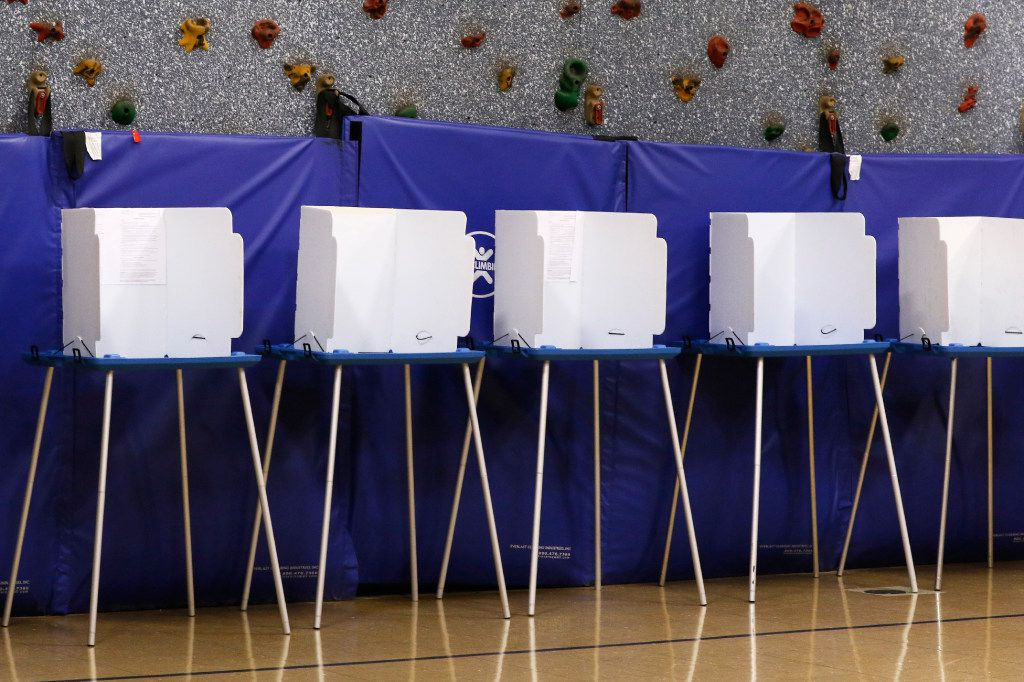 Voting stations at Yale Elementary School in Richardson, Texas on Tuesday, November 8, 2016. (David Woo/The Dallas Morning News)