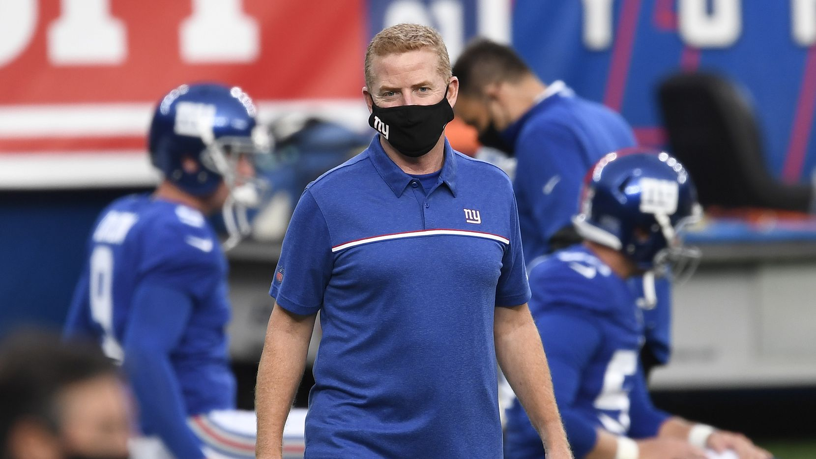 EAST RUTHERFORD, NEW JERSEY - SEPTEMBER 14: Offensive coordinator Jason Garrett of the New York Giants looks on during warmups before the game against the Pittsburgh Steelers at MetLife Stadium on September 14, 2020 in East Rutherford, New Jersey.