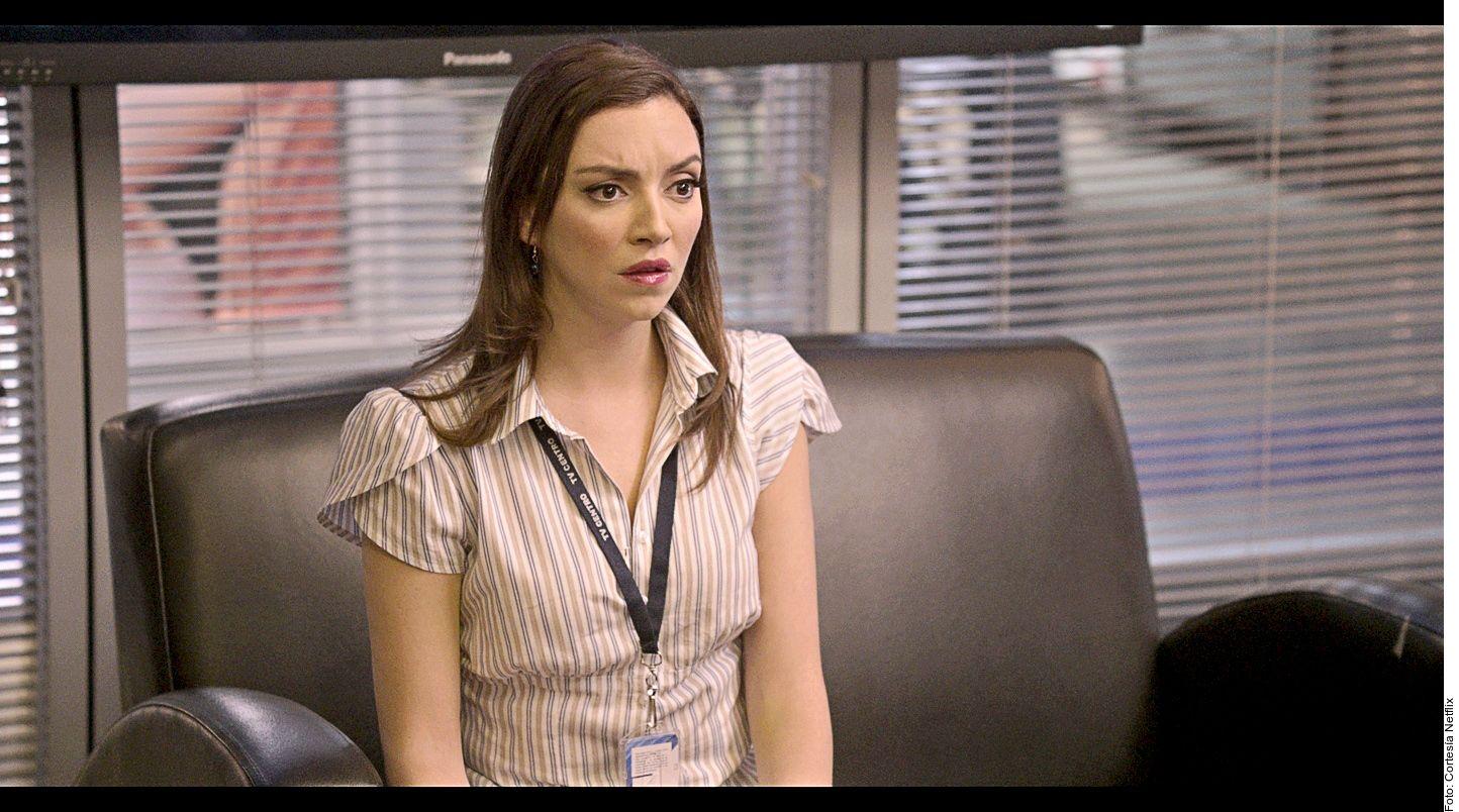 La actriz Regina Blandón interpreta a una reportera que busca la verdad tras el homicidio de la pequeña./ Agencia Reforma