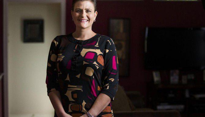 Mary Morton, de 38 años, es una de 10 pacientes que reciben una vacuna anticancerígena en un estudio clínico. (DMN/ASHLEY LANDIS)