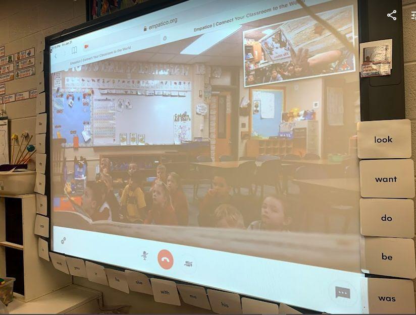 Los estudiantes se conectan en el aula y pueden ver a otros estudiantes de su edad en otras escuelas del mundo con la herramienta Empatico.