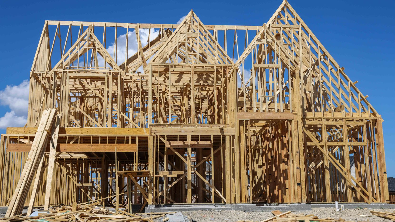 North Texas home construction isn't keeping up with population growth.