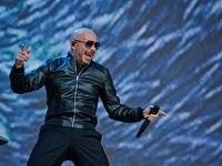 Pitbull trae su I Feel Good Tour a Dallas el sábado 11 de septiembre de 2021, con un show a las 8 p.m. en el Dos Equis Pavilion.