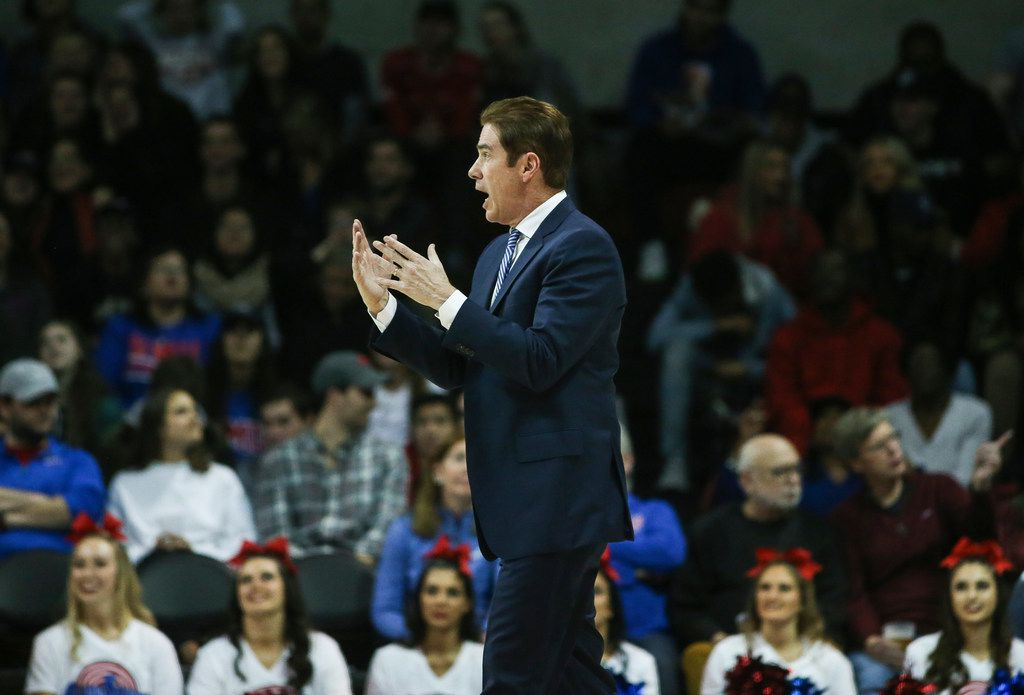Southern Methodist Mustangs head coach Tim Jankovich talks to his players during a timeout in the first half of a matchup between the Southern Methodist Mustangs and the South Florida Bulls on Thursday, Feb. 7, 2019 at Moody Coliseum in Dallas. (Ryan Michalesko/The Dallas Morning News)