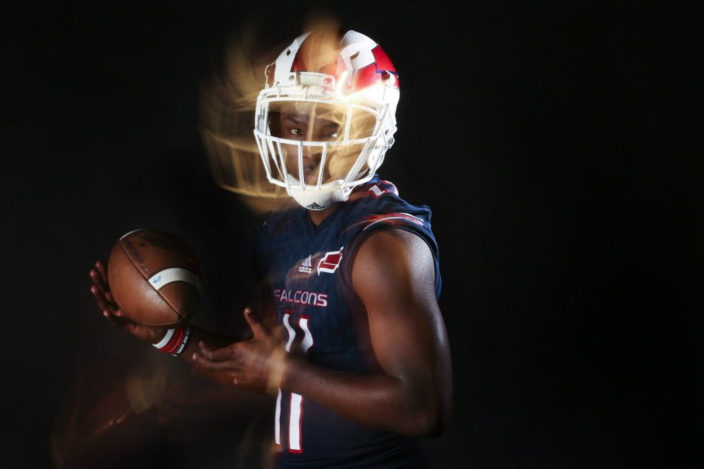 Bishop Dunne senior defensive back Brian Williams poses for a photograph Wednesday, Jan. 9, 2019 in The Dallas Morning News photo studio. (Ryan Michalesko/The Dallas Morning News)