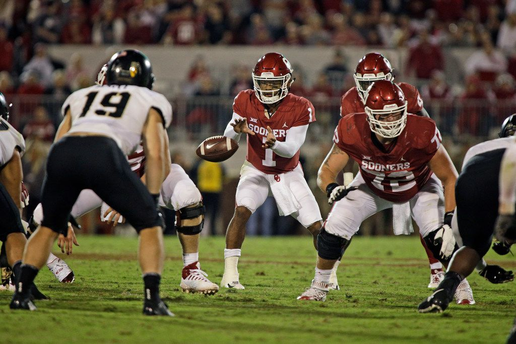 NORMAN, OK - SEPTEMBER 22: Quarterback Kyler Murray #1 of the Oklahoma Sooners takes a snap against the Army Black Knights at Gaylord Family Oklahoma Memorial Stadium on September 22, 2018 in Norman, Oklahoma. The Sooners defeated the Black Knights 28-21 in overtime. (Photo by Brett Deering/Getty Images)