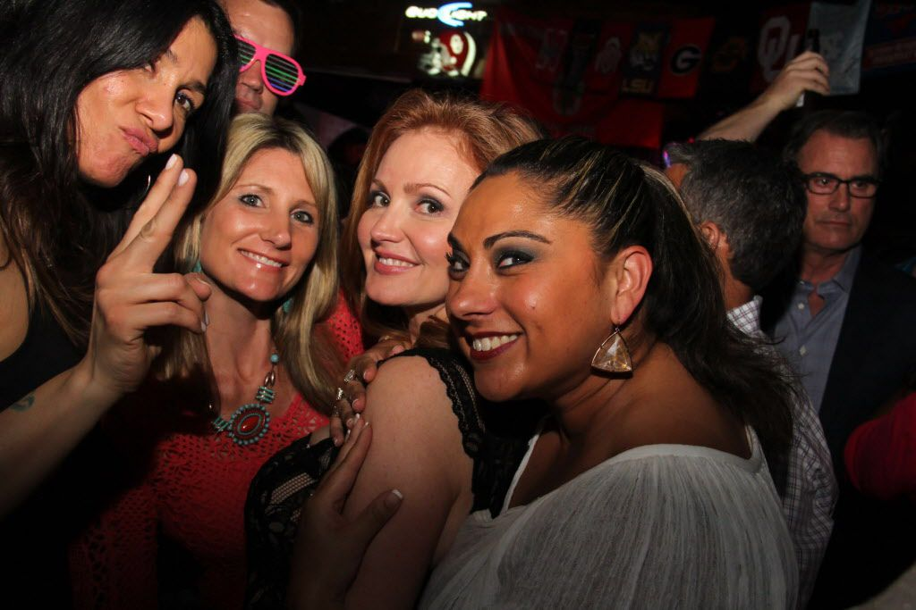 Kellie Rasberry posed with her friends at her birthday bash.