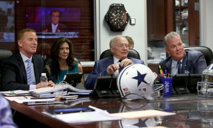 Jerry Jones y los Cowboys eligen en cuarto orden en el draft este año. Fotos DMN