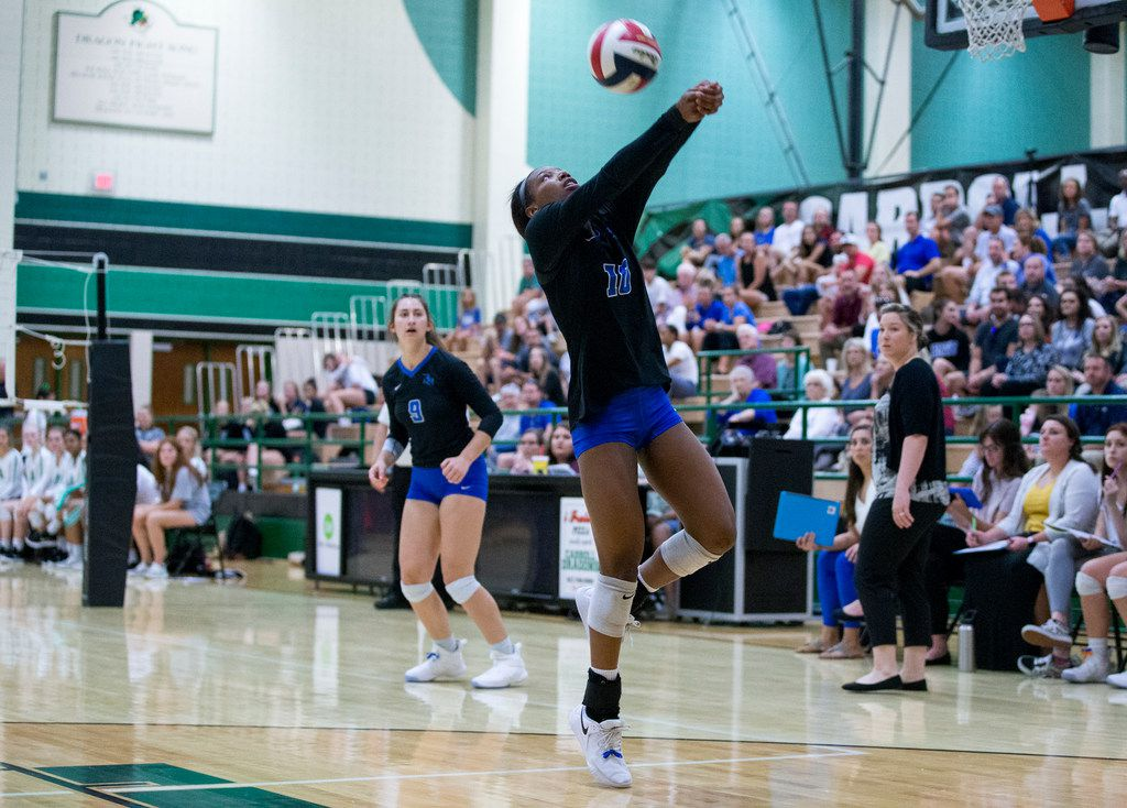 Byron Nelson outside hitter Charitie Luper (10) passes the ball during a match against Southlake Carroll. (Shaban Athuman/ The Dallas Morning News)