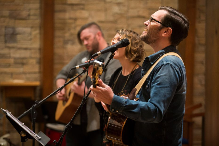 From left: Justin Brooks, Melissa Flanigan and Ryan Flanigan perform at The Canterbury House at SMU on Thursday, Dec. 1, 2016, in Dallas.