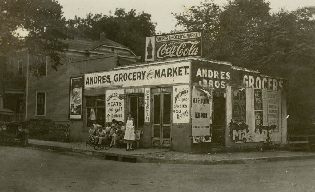 CREDIT: Dallas Jewish Historical Society // Andres Grocery and Market in 1918 on Pearl Street with Andres family outside store.  [ Little Mexico in Dallas ]