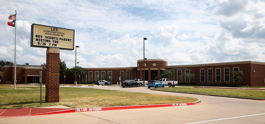 Robert E. Lee Elementary School in Grand Prairie on Sept. 25, 2017.