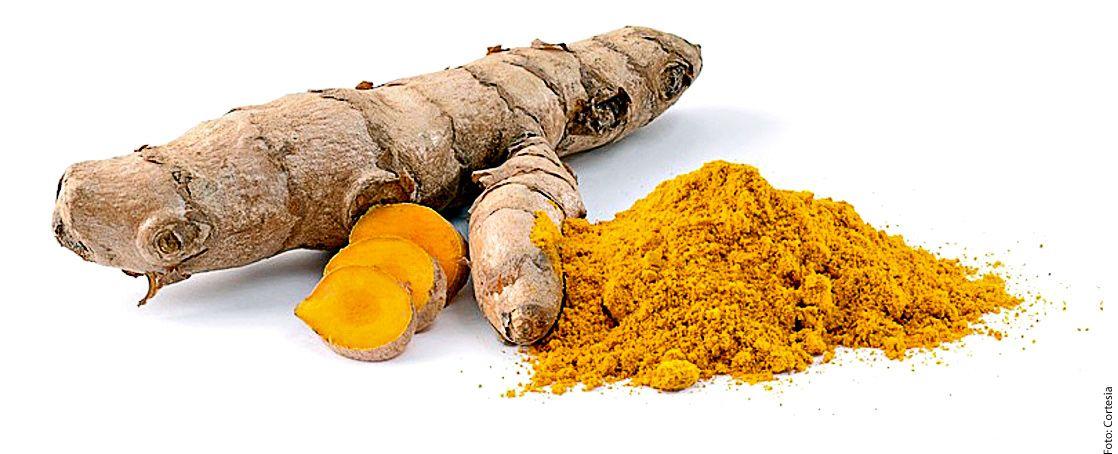 La cúrcuma es esencial en el curry, da color a arroces y sopas.
