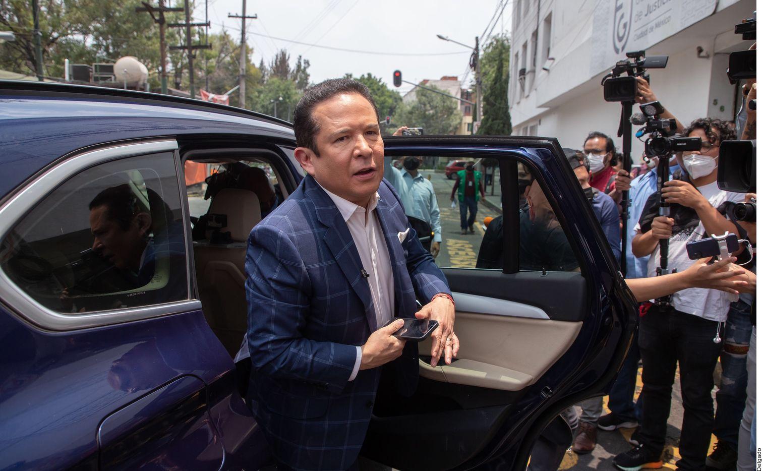 Gustavo Adolfo Infante acudió el miércoles a la Fiscalía General de Justicia de la Ciudad de México para ratificar su denuncia penal en contra del actor Enrique Guzmán.