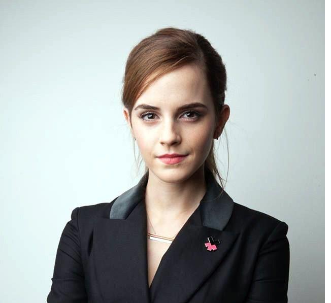 El blanqueamiento de la piel de la actriz Emma Watson en un anuncio de cosméticos desató críticas en las redes sociales./AGENCIA REFORMA