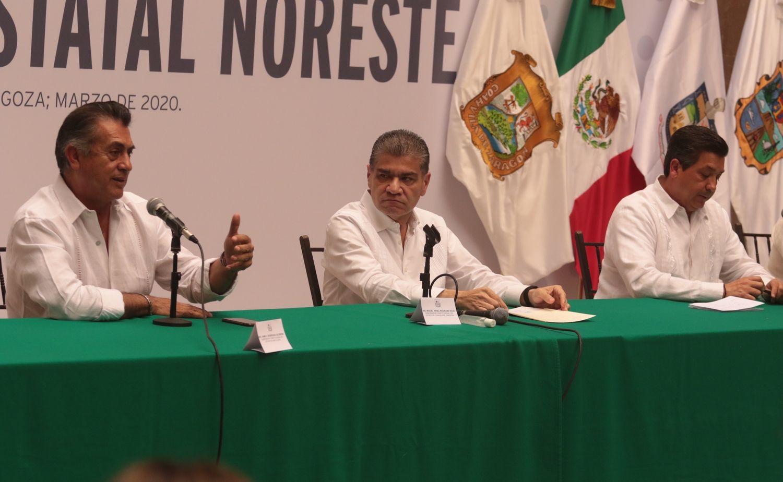 Los gobernadores Jaime Rodríguez (Nuevo León), Miguel Ángel Riquelme (Coahuila) y Francisco García Cabeza de Vaca (Tamaulipas) piden al gobierno federal medidas más severas en los cruces fronterizos con Texas.