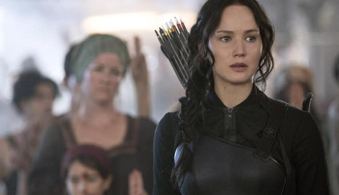 "Jennifer Lawrence interpreta a Katniss Everdeen in ""The Hunger Games: Mockingjay Part 1""   ——- (MCT  ——-/CORTESÍA  ——-)"