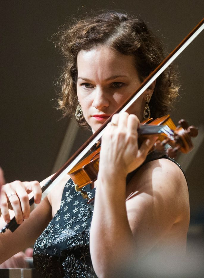 Violin soloist Hilary Hahn performs Dvorak's Concerto in A Minor for Violin and Orchestra with the Dallas Symphony Orchestra, conducted by guest conductor Hannu Lintu, not pictured, on Thursday, September 21, 2017 at the Meyerson Symphony Center in Dallas. (Ashley Landis/The Dallas Morning News)