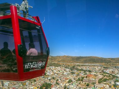 A cable car over the Mexican city of Zacatecas. AGENCIA REFORMA