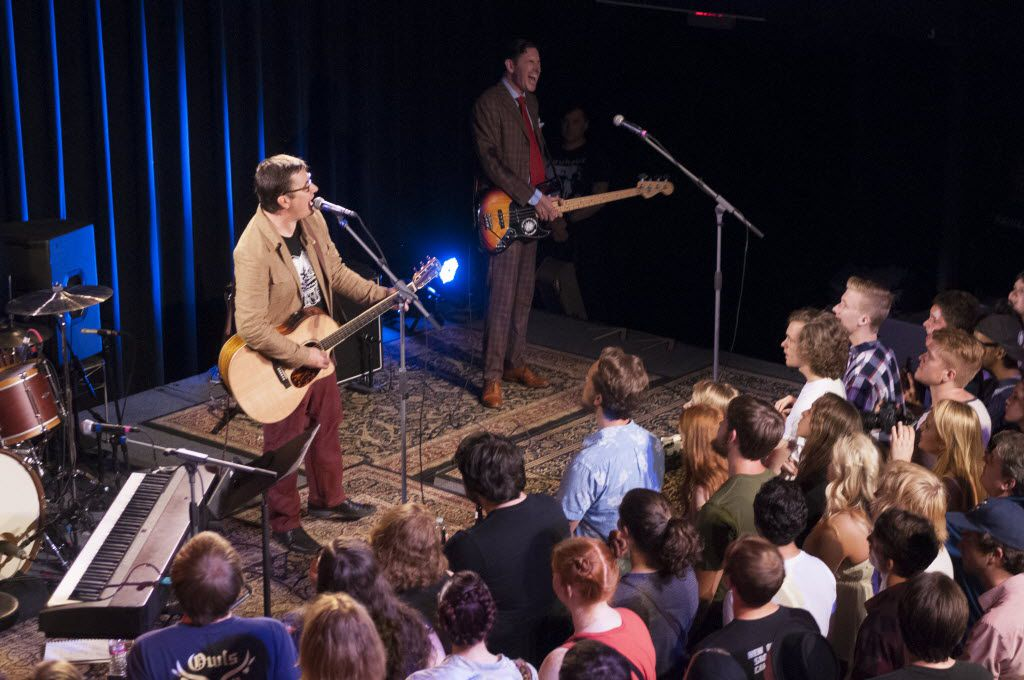 John Darnielle and Mountain Goats bassist Peter Hughes perform at the Kessler Theatre in 2015.
