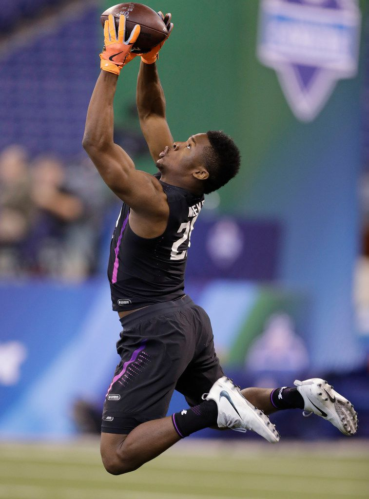 Florida State defensive back Tarvarus McFadden runs a drill during the NFL football scouting combine, Monday, March 5, 2018, in Indianapolis. (AP Photo/Darron Cummings)