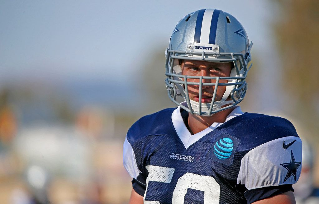 Dallas Cowboys linebacker Sean Lee practices during the afternoon practice at the training camp in Oxnard, Calif., Tuesday, July 31, 2018.