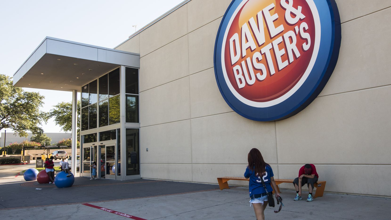 A customer walks into Dave & Buster's in Dallas.      (Rex C. Curry/Special Contributor)