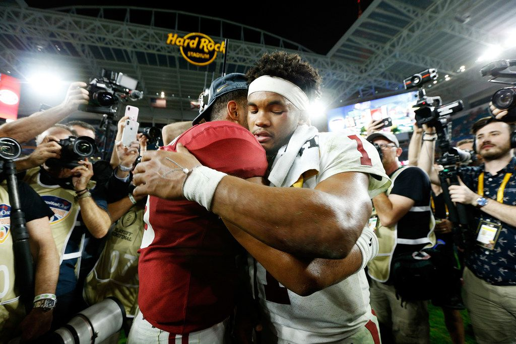 MIAMI, FL - DECEMBER 29: Kyler Murray #1 of the Oklahoma Sooners congratulates Tua Tagovailoa #13 of the Alabama Crimson Tide after the Alabama Crimson Tide defeat the Oklahoma Sooners 45-34 to win the College Football Playoff Semifinal at the Capital One Orange Bowl at Hard Rock Stadium on December 29, 2018 in Miami, Florida.  (Photo by Michael Reaves/Getty Images)