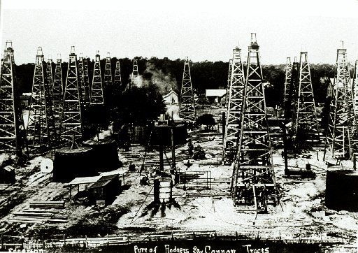 Spindletop photographs 1901-1920