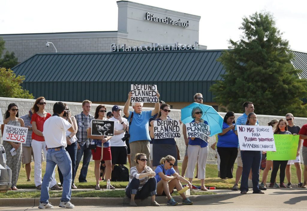 Pro-life citizens in Dallas protest at the Planned Parenthood of South Dallas on West Virginia Avenue in 2015.