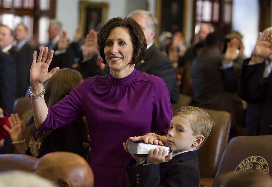 Sen. Lois Kolkhorst, R- Brenham, shown taking the oath of office on Tuesday, Jan. 11, 2011. (Rodolfo Gonzalez/Austin American-Statesman)