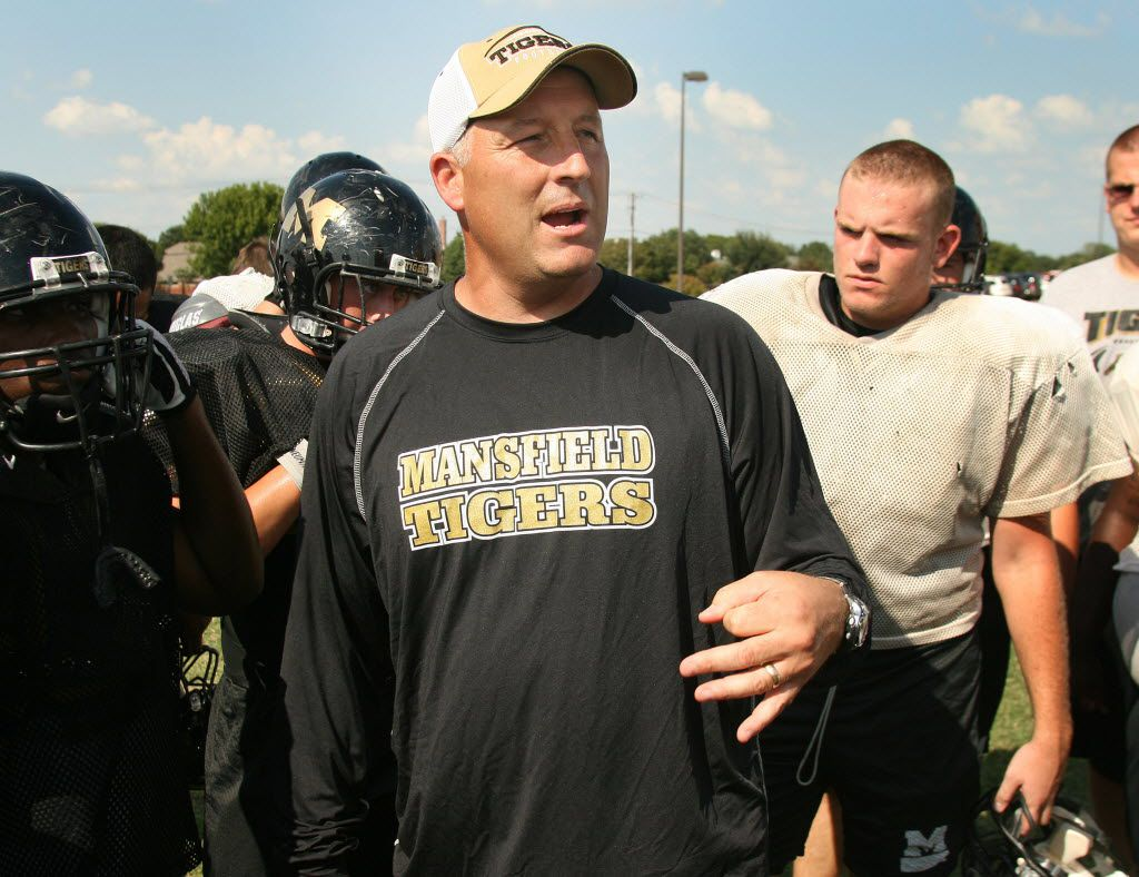Mansfield coach Jeff Hulme talks to his team during a practice in 2010.