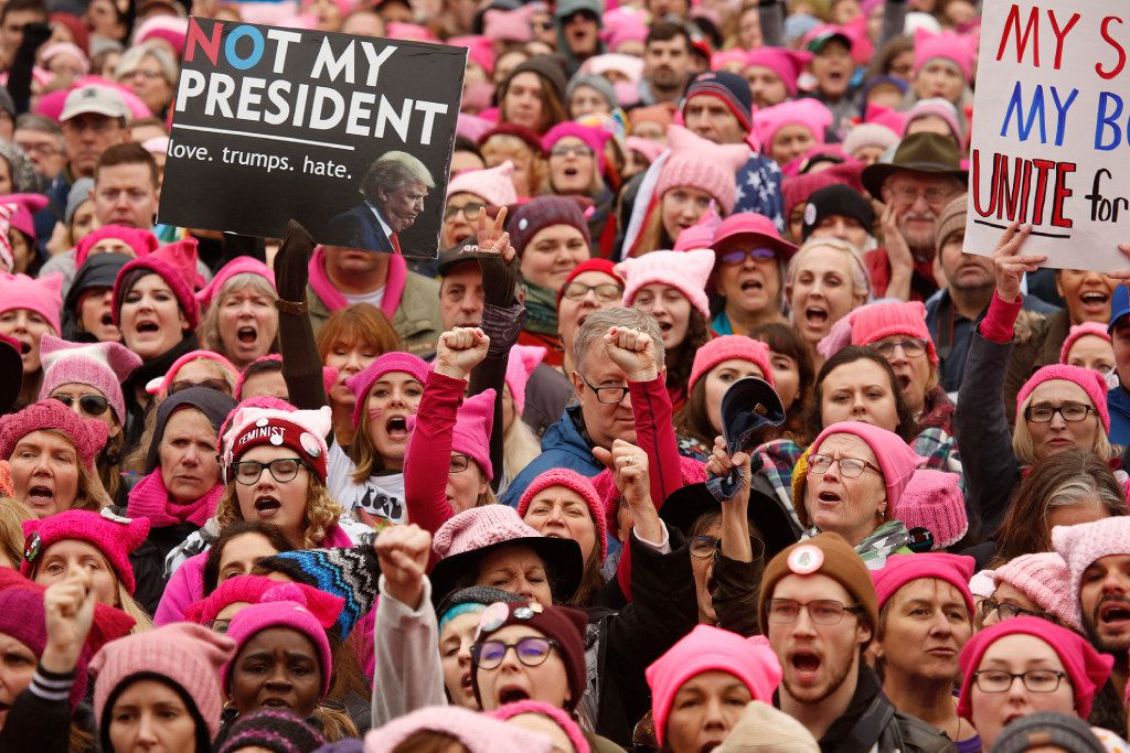 Thousands gather for the Women's March on Washington, D.C., ending at the White House on Jan. 21. (Carolyn Cole/Los Angeles Times)