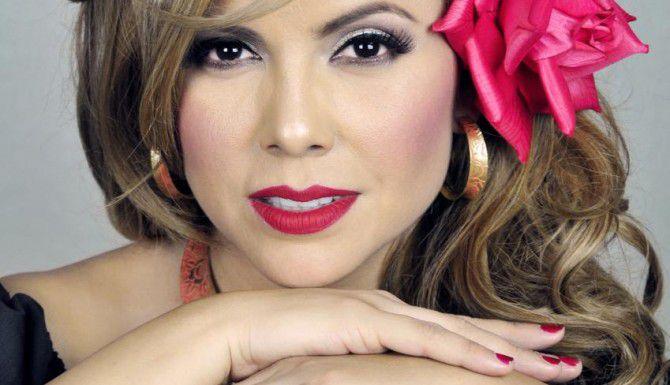 Erika Vidrio ha escrito más de 100 temas que han sido cantados por agrupaciones como Conjunto Primavera, Banda MS, Banda La Trakalosa y muchos más.(CORTESÍA)