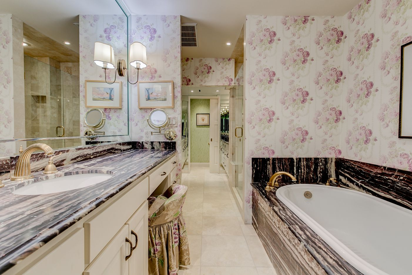 A look at a bathroom at 3701 Turtle Creek Boulevard Penthouse A in Dallas.