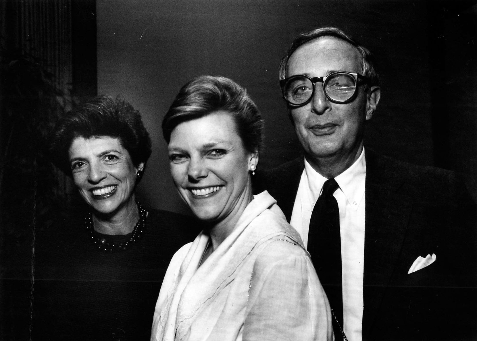 Carolyn Horchow, journalist Cokie Roberts and Roger Horchow in Dallas in 1989. (Cindy Yamanaka/Staff Photographer)