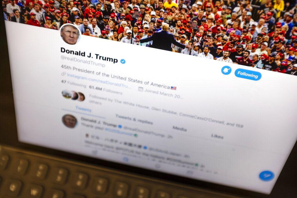 La cuenta del presidente Donald Trump ha generado polémica por sus publicaciones.