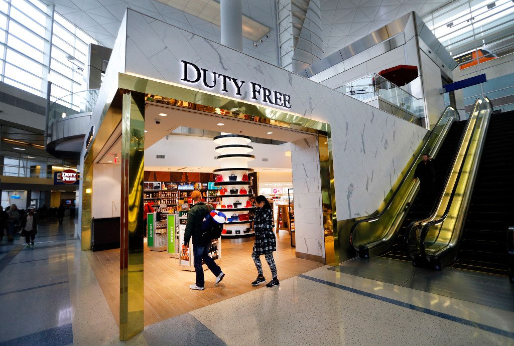 The current duty-free shopping area as seen in Terminal D at Dallas-Fort Worth International Airport in December. (Tom Fox/The Dallas Morning News)