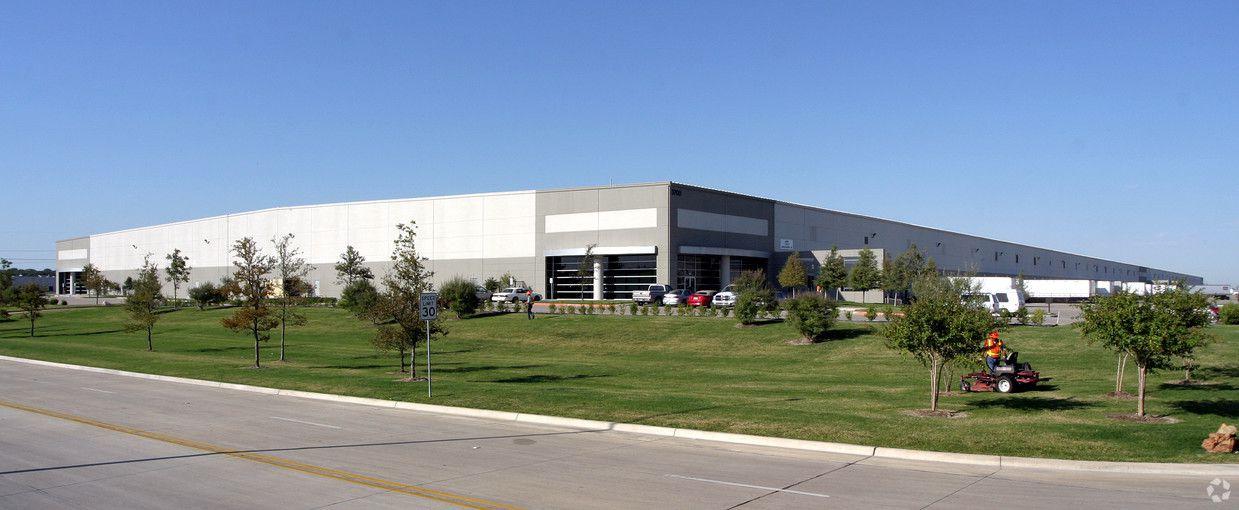 Cohen Asset Management bought two Pinnacle Park warehouses.