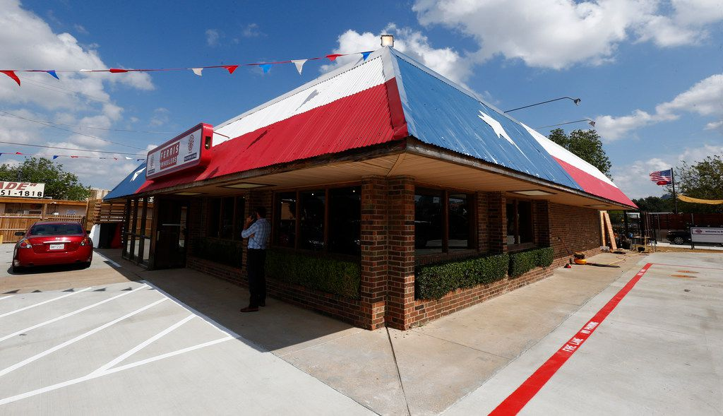 The exterior of Ferris Wheelers Backyard & BBQ in Dallas on Sept. 25, 2017.   (Nathan Hunsinger/The Dallas Morning News)