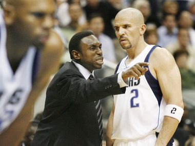 Dallas head coach Avery Johnson makes a point to Jason Kidd in the fourth quarter of the Lakers' 102-100 win over Dallas on Dec. 26, 2008.