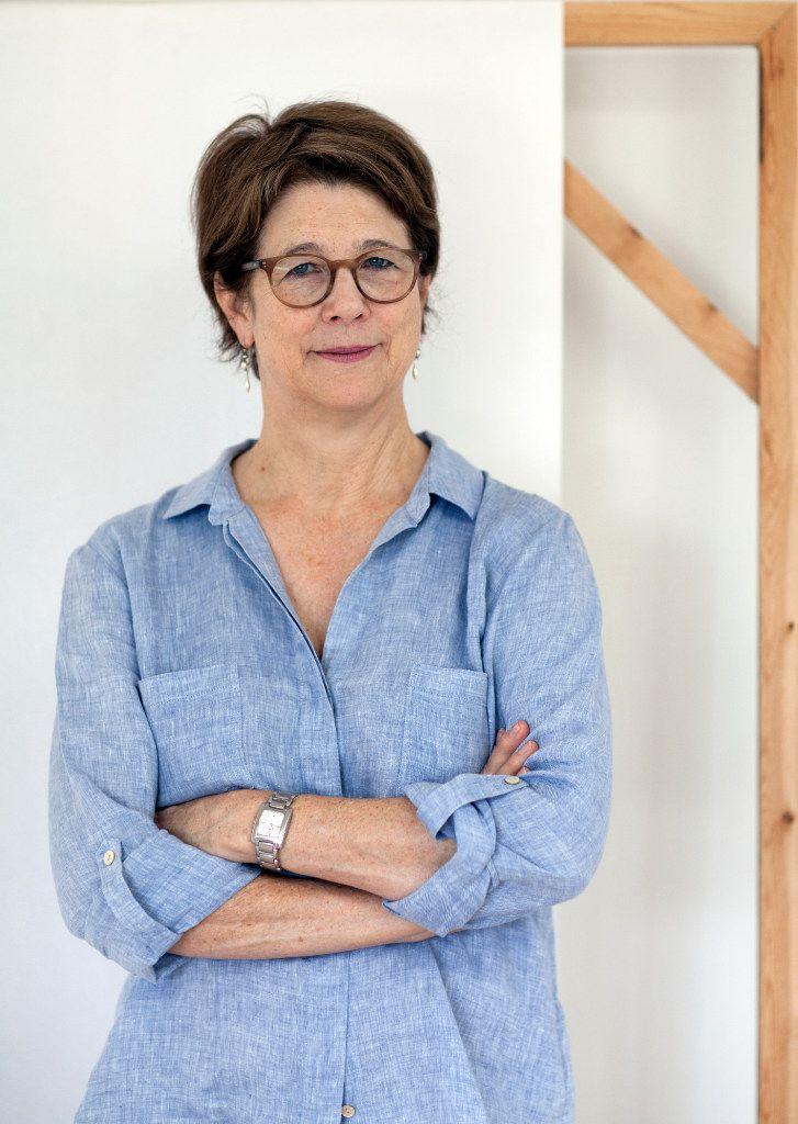 Artist Sally Warren