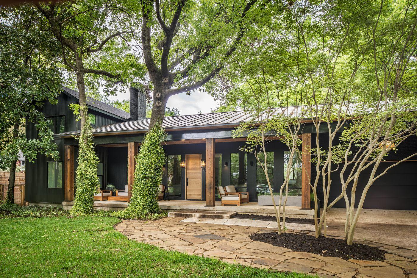 A look at the property at 8179 San Benito Way in Dallas.