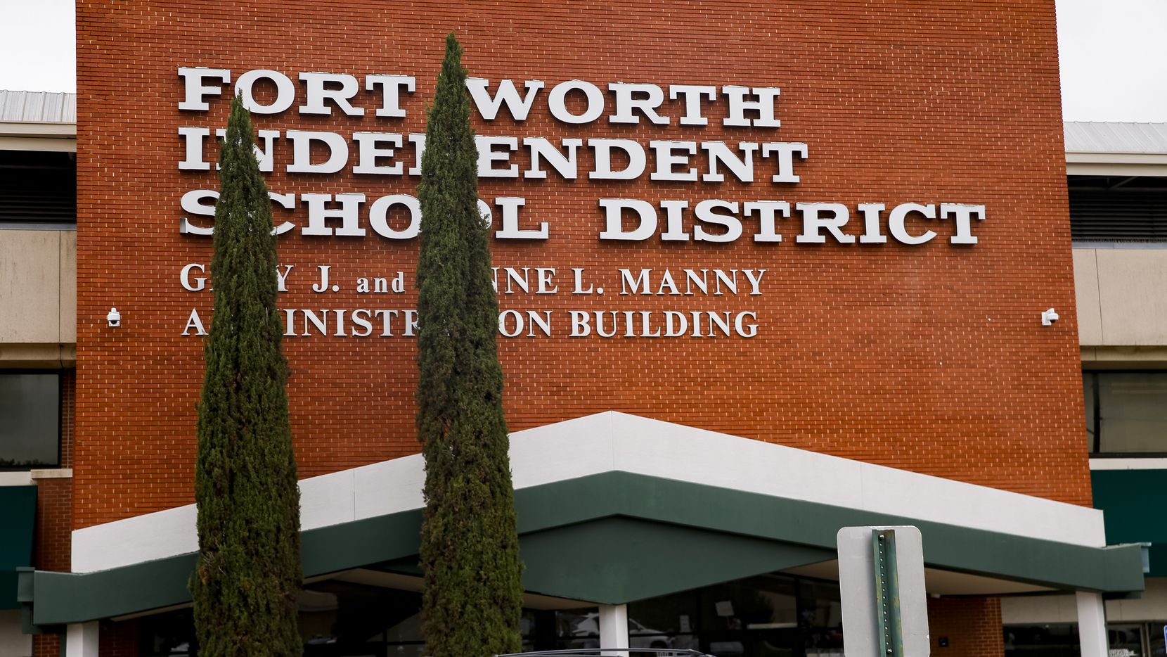 The Forth Worth school district will hold a specially called board meeting on Aug. 26 to discuss next moves related to the governor's executive order banning mask mandates.