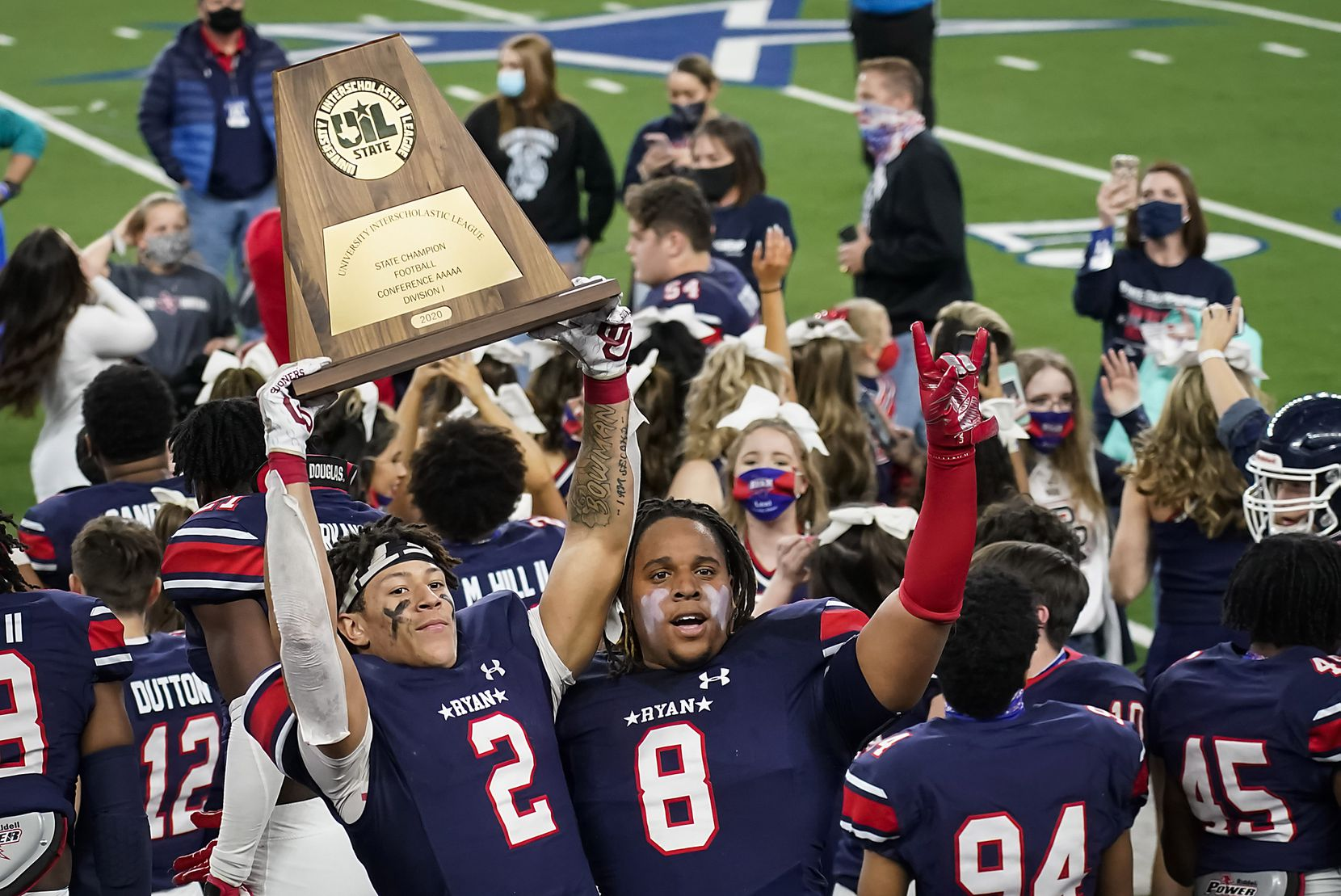 Denton Ryan won its third state title last season, beating Cedar Park 59-14 in the Class 5A Division I championship game. (Smiley N. Pool/The Dallas Morning News)