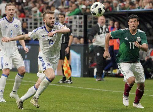 Carlos Vela (11) y el Tri se impusieron a Bosnia-Herzegovina en amistoso disputado el miércoles en el Alamodome de San Antonio. Foto AP