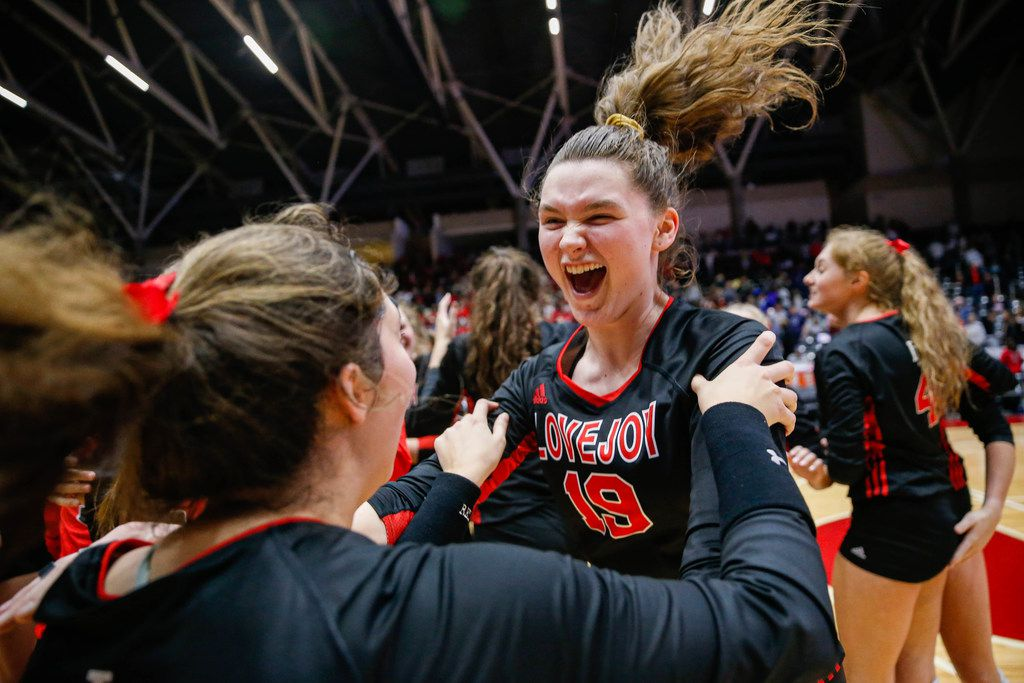 LovejoyÕs Lexie Collins (19) celebrates with her team after beating Friendswood in the fourth and final set of a class 5A volleyball state semifinal match at the Curtis Culwell Center in Garland, on Friday, November 22, 2019. Lovejoy advanced to finals after winning the fourth set 25-22. (Juan Figueroa/The Dallas Morning News)