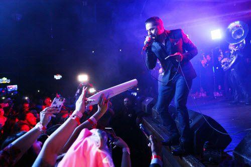 El Far West es un popular sitio de conciertos de músicos como Larry Hernández. El dueño del este club nocturno enfrenta un cargo federal por drogas.