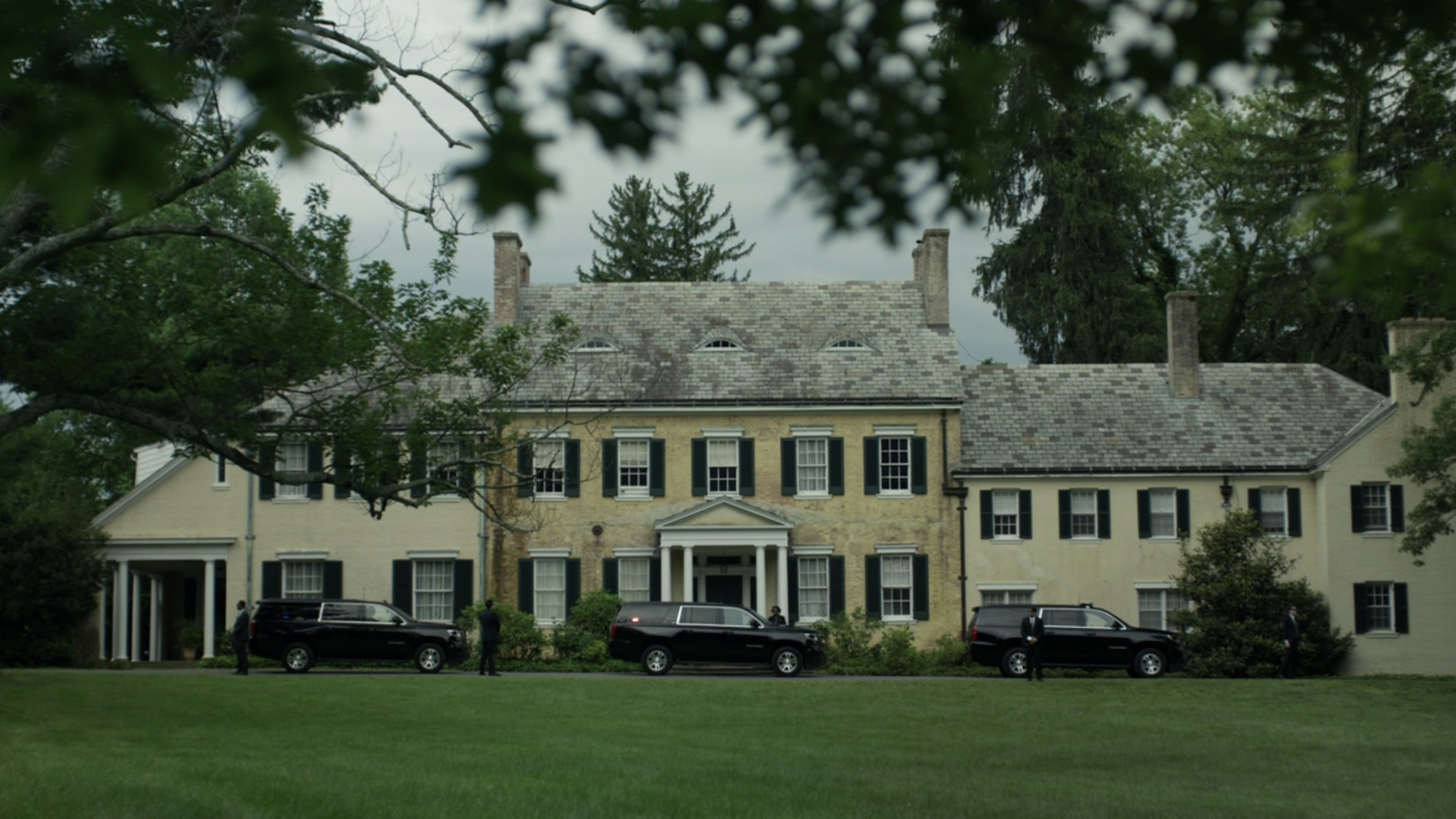 Here's the Highland Park estate where Claire Underwood's mother lives. Pop quiz: Does this look like Dallas?